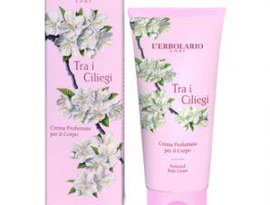 L'Erbolario Tra i Ciliegi Perfumed Body Cream – 200ml με Αρωματικές Νότες από: Άνθη Κερασιάς, Πορτοκάλι από τη Σικελία, Αγριοτριανταφυλλιά, Fava Tonka