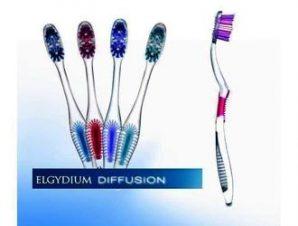 Elgydium Diffusion Οδοντόβουρτσα Soft -Διατίθεται σε 4 χρωματισμούς