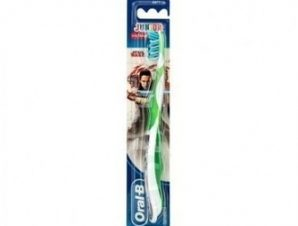 Oral B Junior Star Wars / Παιδική Οδοντόβουρτσα 6-12 ετών, 1τμχ (πράσινο χρώμα)